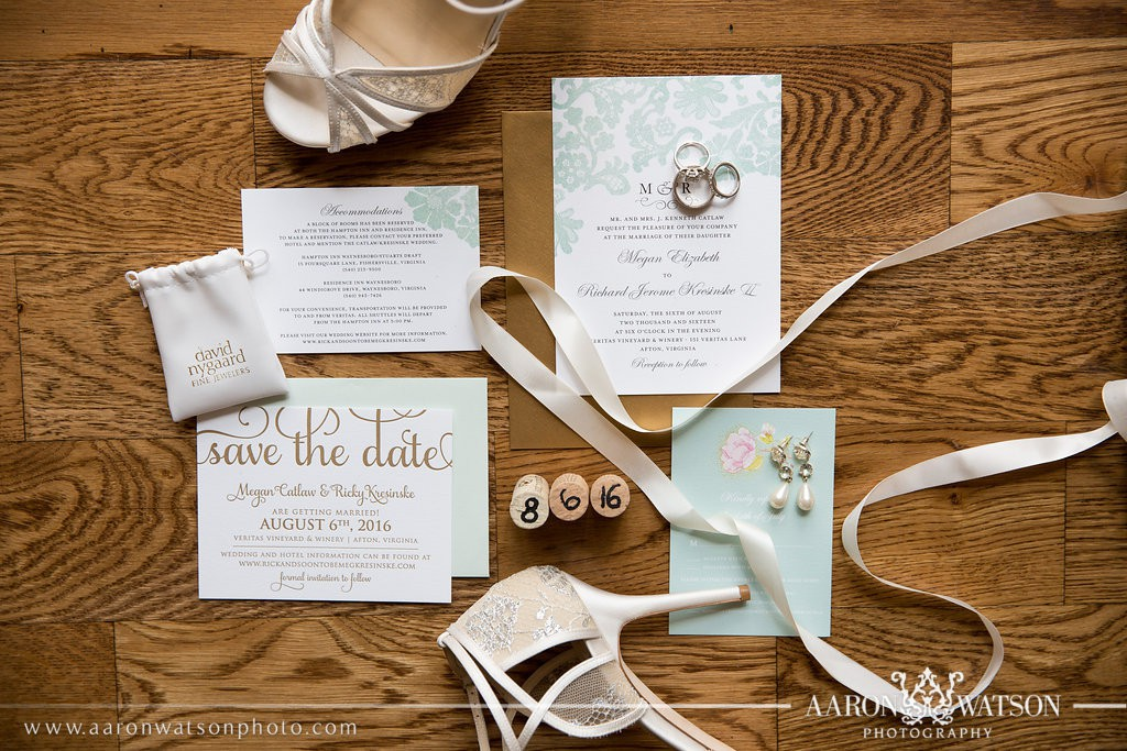 wedding paper divas invitation suite